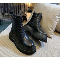 Черные грубые ботинки на толстой платформе