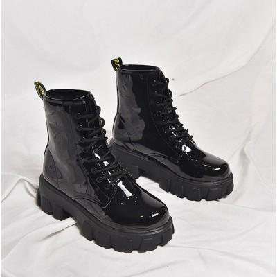 Лаковые ботинки на тракторной подошве черные женские