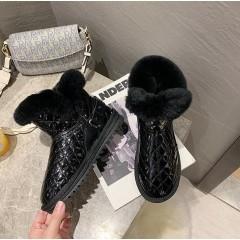 Ботинки зимние с мехом на низком ходу стеганые лаковые