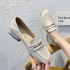 Белые балетки с квадратным носком