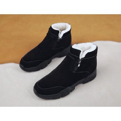 Теплые черные ботинки с мехом на высокой подошве