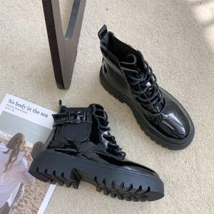 Лакові черевички жіночі з тканинної вставкою
