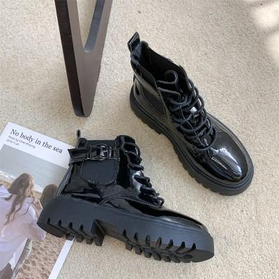 Лаковые ботиночки  женские с тканевой вставкой