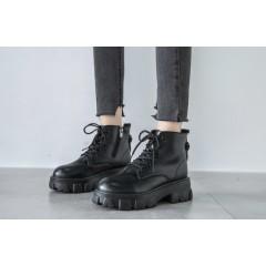 Низкие черные ботинки с ремешком на заднике