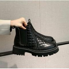Стеганые ботинки челси черные