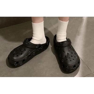 Кроксы черные со смайлами