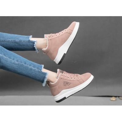 Розовые зимние кроссовки с надписью