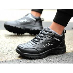 Меховые мужские кроссовки черные