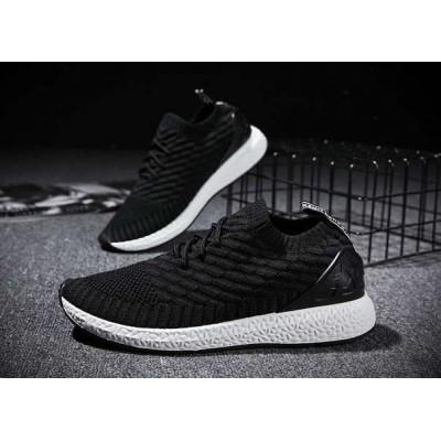 Тканевые черные кроссовки на резиновой подошве