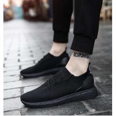 Тканевые чисто черные кроссовки на резиновой подошве