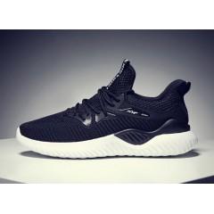 Мужские кроссовки весенние в сетку черные