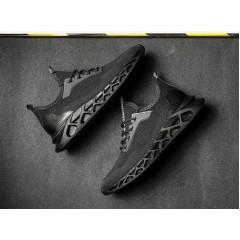 Чисто черные дышащие кроссовки на лето