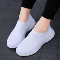 Легкие летние белые кроссовки без шнурков женские