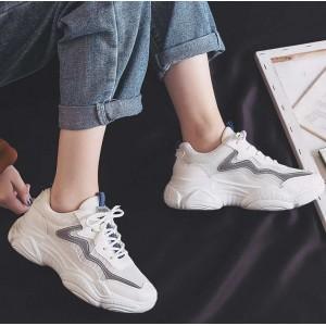 Универсальные кроссовки белые с рефлективными полосками
