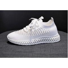 Женские белые кроссовки сетка