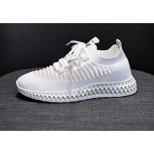 Жіночі білі кросівки сітка
