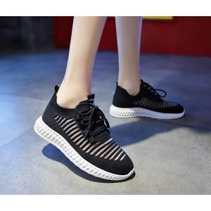 Жіночі чорні кросівки сітка