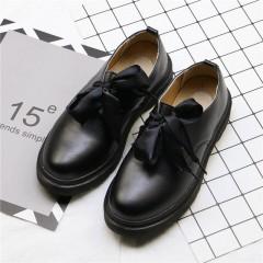 Черные туфли женские с шелковыми шнурками