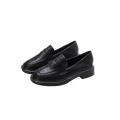 Туфли лоферы женские черные кожаные на небольшом каблуке