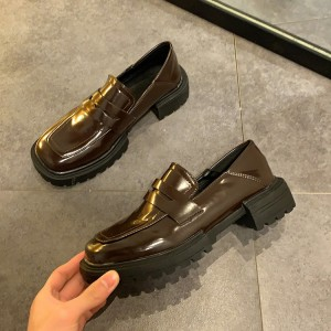 Грубі жіночі туфлі лофери коричневі з квадратним носом
