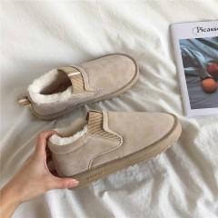 Низкие меховые бежевые замшевые ботинки