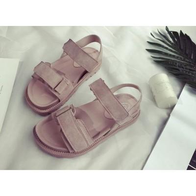 Розовые женские сандали на толстой подошве