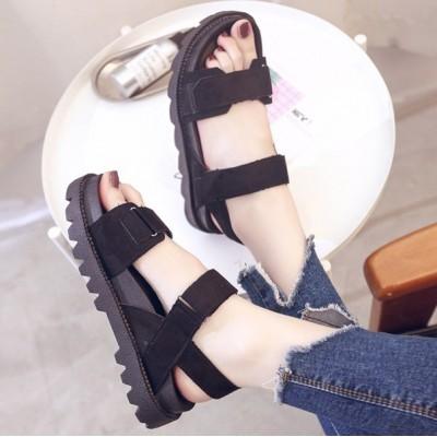 Черные женские сандали на толстой подошве