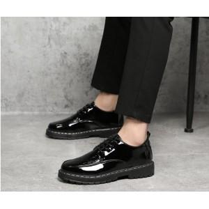 Чоловічі туфлі - броги лакові на шнурках
