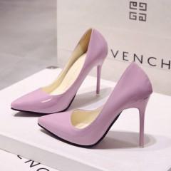 Розовые лакированные туфли с острым носком