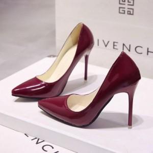 Бордовые лакированные туфли с острым носком