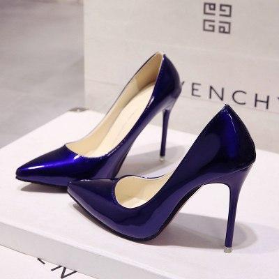 Синие лакированные туфли с острым носком