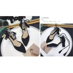 Туфли черные с острым носком на завязках