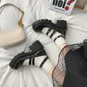 Туфли в стиле лолита - ретро черные лаковые на высокой подошве с ремешками