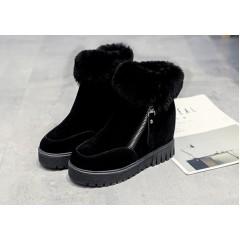 Замшевые черные ботинки женские на платформе
