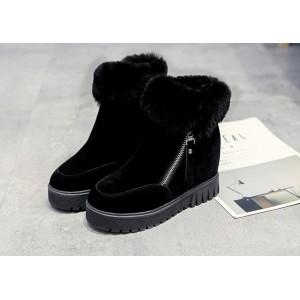 Замшеві чорні черевики жіночі на платформі