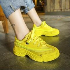 Желтые женские кроссовки летние